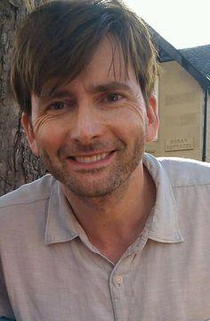 David looks so good 10th Doctor, Good Doctor, Scottish Actors, British Actors, Tom Hiddleston, Crossover, John Mcdonald, David Tennant Doctor Who, Interview