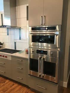 30 Inch Single French Door Electric Wall Oven with WiFi ConnectEasily open both doors using a single hand with this French door design. Double Oven Kitchen, Kitchen Oven, Updated Kitchen, Kitchen Redo, New Kitchen, Kitchen Remodel, Kitchen Dining, Kitchen Appliances, Wolf Appliances