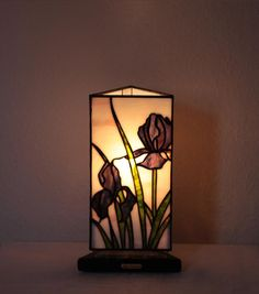 """Our stained glass tiffany style table lamp: """"Iris"""" www.mana-glaskunst.de"""
