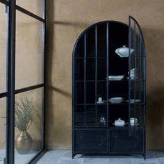 Vitrine forme arcade en métal noir vieilli Arcade