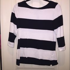 Old Navy striped black and white top, size medium Very cute striped black and white top from Old Navy. Has zipper detail on the back. Old Navy Tops