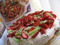 Торт ПАВЛОВА со свежими фруктами.