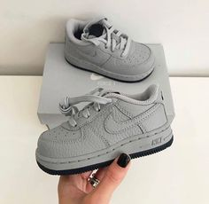 How to get original Nike Off-White Cas 70 Hi sneakers Cute Baby Boy Outfits, Cute Baby Shoes, Kids Outfits, Baby Boy Jordan Outfits, Toddler Shoes, Boys Shoes, Baby Boy Nike, Baby Girl Shoes Nike, Baby Sneakers