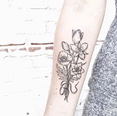 [ Victorian bouquet ] for Kerstin such a rad person mariposa lily with a columbine flower alongside a poppy and tulips by lucidlines Mandala Rose Tattoo, Daffodil Tattoo, Tulip Tattoo, Poppies Tattoo, Flower Tattoos, Columbine Tattoo, Columbine Flower, Piercings, Piercing Tattoo