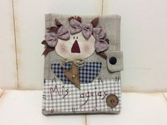 Primitive Quilts, Raggy Dolls, Stitch Patch, Sewing Pockets, Raggedy Ann And Andy, Needle Book, Country Crafts, Notebook Covers, Patch Quilt