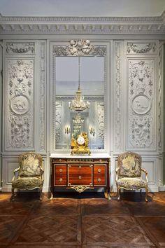 La Biennale Paris 2017 #booth #woodpaneling #antiques #exhibition #GrandPalais #art #architectur #interiordesign #decoration #decor #crafts #boiserie #woodpaneling #homedecor #craved #antiquity