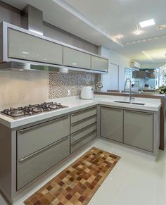 Choosing New Kitchen Cabinets If You Are Kitchen Remodeling Kitchen Decor, Home Decor Kitchen, Kitchen Room Design, Beautiful Kitchens, Modern Kitchen Cabinet Design, Kitchen Room, Kitchen Remodel, Modern Kitchen Design, Kitchen Interior Design Modern