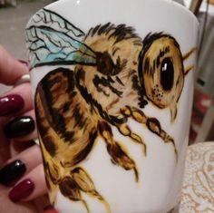 RĘCZNIE MALOWANY KUBEK - PSZCZOŁA Mugs, Tableware, Art, Art Background, Dinnerware, Tumblers, Tablewares, Kunst, Mug