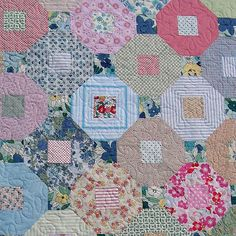 Mock hexagon quilt - scrap by Red Pepper Quilts, would love to know what pattern she used.