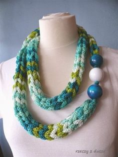 This almost looks like multiple I-cords made into one big I-cord. Whatever it is, the colors are very nice. Reminds me of the ocean. Knitted Necklace, Fabric Necklace, Rope Necklace, Fabric Jewelry, Beaded Necklace, Necklaces, Rope Jewelry, Scarf Jewelry, Jewelry Crafts