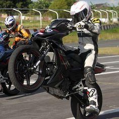 Can you show us some #wheelie? #motoworld #LS2 #sidi