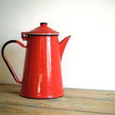 Vintage Enamel Coffee pot Fire engine Red by ShopArcheologie, €32.00
