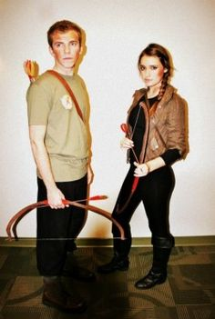 Image detail for -Halloween Movie Couple Costumes Katniss u0026 Peeta (The Hunger Games)  sc 1 st  Pinterest & 26 best Peeta Mellark Costume images on Pinterest | Hunger games ...