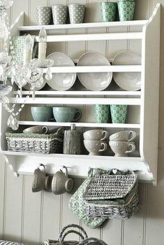 15 кухонь с яркой посудой – Вдохновение
