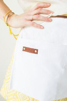 DIY floral apron gifts | sugarandcloth.com