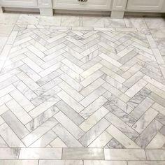 Working on some tile selections today. Love this display. I'll never tire of #herringbone #tiledesign #herringbonetile #marble #calcuttagold #interiordesign #interiordesigner #flooring #yeahthatgreenville