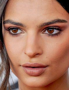 emily ratajkowski makeup make-up make up emily ratajkowski red carpet celeb celebrity celebritycloseup