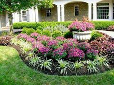 Cheap Landscaping Ideas to Make Your Yard Sensational Texas Landscaping, Landscaping With Rocks, Front Yard Landscaping, Mulch Landscaping, Landscaping Software, Front Yard Landscape Design, Landscaping Melbourne, Natural Landscaping, Inexpensive Landscaping