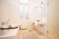 #Home Staging - Badezimmer Staging, Alcove, Bathtub, Bathroom, Home, Full Bath, Role Play, Standing Bath, Washroom