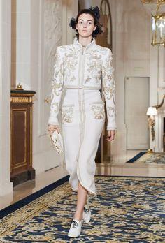 Chanel коллекция | Коллекции осень-зима 2017/2018 | Париж | VOGUE http://www.vogue.ru/collection/autumn_winter2017/pre-fall/paris/Chanel/