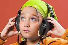 Reasons Why We Should Listen To Music Listening To Music, Headphones, Technology, Tech, Headpieces, Ear Phones, Tecnologia
