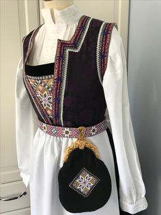 Made by Inger Johanne Wilde Folk Costume, Costumes, Going Out Of Business, Ethnic, Women's Fashion, Hardanger, Hipster Stuff, Fashion Women, Costume