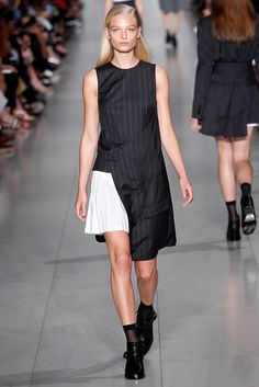 e7a574f96 DKNY Spring 2016 Ready-to-Wear Fashion Show