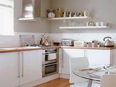 étagères murales ikea dans la cuisine