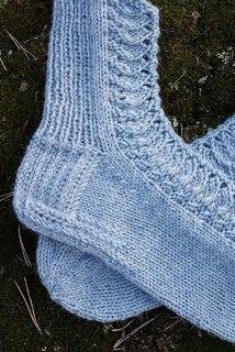 Knitting Socks, Crochet, Fashion, Knit Socks, Moda, Fashion Styles, Ganchillo, Crocheting, Fashion Illustrations
