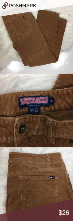 "Vineyard vines preppy brown cord corduroy pants Women's Vineyard vines brown corduroy pants size 8. 98% cotton, 2% spandex.  waist laying flat-16"" inseam-29"" Vineyard Vines Pants Straight Leg"