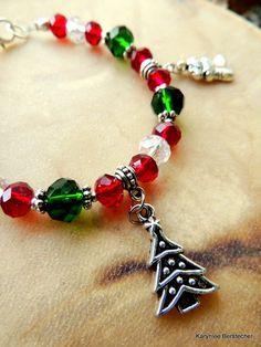 Christmas Holiday Garnet Red Deep Green Crystal by SoulfulStuff Diy Bracelets Patterns, Handmade Bracelets, Handcrafted Jewelry, Crystal Jewelry, Beaded Jewelry, Beaded Bracelets, Christmas Jewelry, Christmas Holiday, Princess Jewelry