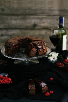 Chocolate cake with red wine and raspberries      ( translation Available)