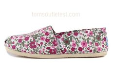 Toms Classics Women Wine Shoes Charming : Toms Outlet*Cheap Toms Shoes Online* Welcome to Toms Outlet.Toms outlet provide high quality toms shoes*best cheap toms shoes*women toms shoes and men toms shoes on sale.You will enjoy the best shopping. Cheap Toms Shoes, Toms Shoes Outlet, Future Fashion, New Fashion, Womens Fashion, Blue Fashion, Style Fashion, Fashion Online, Fashion Trends
