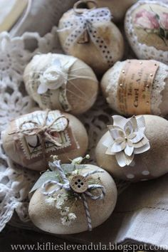 Easter eggs - Happy Easter decorations and napkin technology ideas .- Ostereier – Frohe Osterschmuck und Servietteentechnik Ideen «Diy D … Easter eggs – Happy Easter decorations and napkin technology ideas «Diy D … - Easter Egg Crafts, Easter Projects, Easter Decor, Easter Ideas, Easter Egg Designs, Easter Bunny, Spring Crafts, Holiday Crafts, Easter Parade