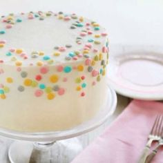 Polka Dot Cake. Would be even better with funfetti on this inside!