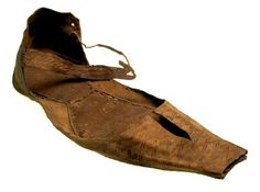 Leather 'poulaine' shoe, late 14th century.