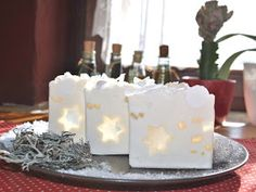Soaphistication. I love the pairing of white soap with clear. Pretty