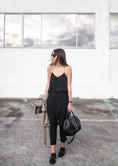 Kaitlyn from Modern Legacy wears the CAMILLA AND MARC Zoya Cami and Hacker Pants. http://www.camillaandmarc.com/