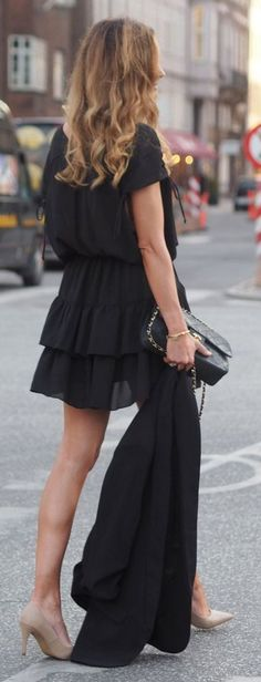 #spring #summer #street #style #outfitideas | All Black + Pop Of Nude |By Benedicthe