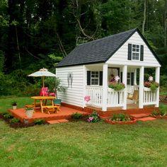 Stunning Sweet Backyard Playhouse Ideas for Kids Garden Backyard Playhouse, Build A Playhouse, Playhouse Ideas, Vegetable Garden Planner, Kids Outdoor Play, Large Backyard, Farms Living, Play Houses, Cubby Houses
