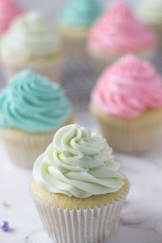 Key Lime Cupcakes - a fluffy white cupcake filled with fresh key lime zest and juice. Just screams Spring! Key Lime Cupcakes, Yummy Cupcakes, Spring Cupcakes, Wine Cupcakes, Vanilla Cupcakes, White Cupcake Recipes, Dessert Recipes, Baking Recipes, Dessert Ideas