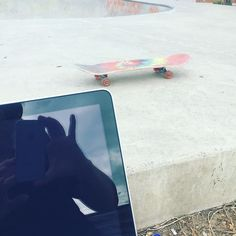 Summer school holidays means taking the laptop to the skatepark so I can work and play! #flexiblejob #entrepreneur #play #work #business #career #ThinkBespoke #smalbusiness #lovewhatyoudo #skatepark #remotejob #skateboarding #RyeSkatePark #Rye #BeachHouse #holiday #familytime #family #familylife