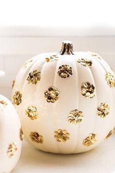 DIY sequined polka dot pumpkin | http://sugarandcloth.com