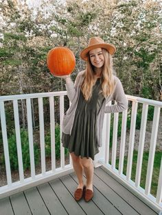 Friday Top Five Edit: Fall Cardigans | Hey Its Camille Grey #fall #fallfashion #cardigans #falltime #falloutfits #pumpkins