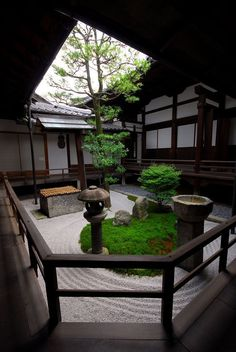 Serene, peaceful, balanced, simple words that describe the zen garden, the traditional Japanese language expressed through mineral means, through rocks and sand sculpting equilibrium, deaf, peaceful a