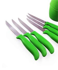 Knife Holder with 6 Knives   I found an amazing deal at fashionandyou.com and I bet you'll love it too. Check it out!