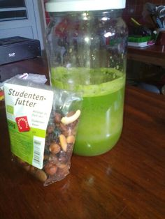 Kale juice and mixnuts ! Go go go !