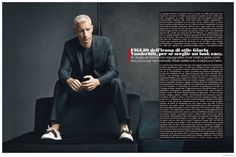 Anderson Cooper Covers November LUomo Vogue, Embraces Sartorial Fashions for Photo Shoot image Anderson Cooper LUomo Vogue November 2014 Cover Photo Shoot 005 800x533