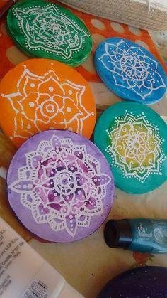 Móvil  Mandalas colores de los Chakras.. Técnica en acrílicos y Batic.