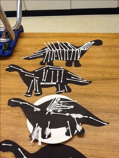 Dinosaur Bones looks like a really fun scene craft. Great for following directions, too